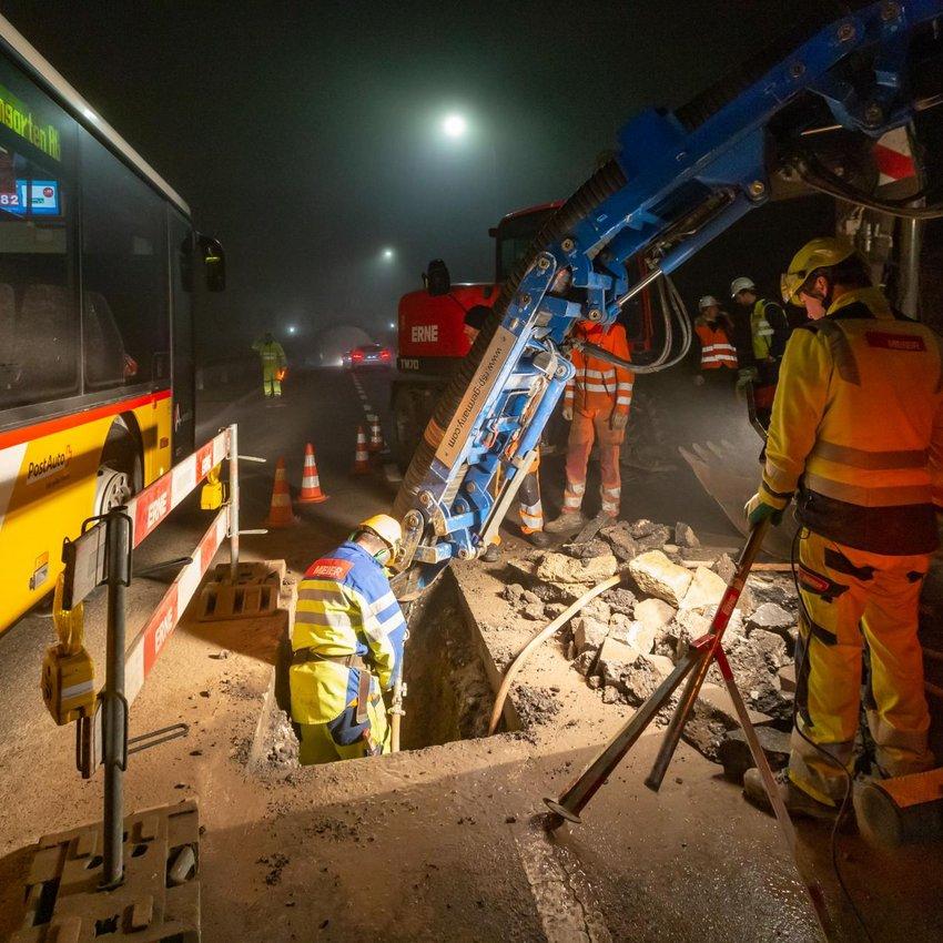 Mellingen Hauptgasse Wasserrohrbruch Bus passiert