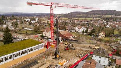 Neuer ERNE Kran beflügelt die Arbeiten auf der Grossbaustelle in Bad Zurzach