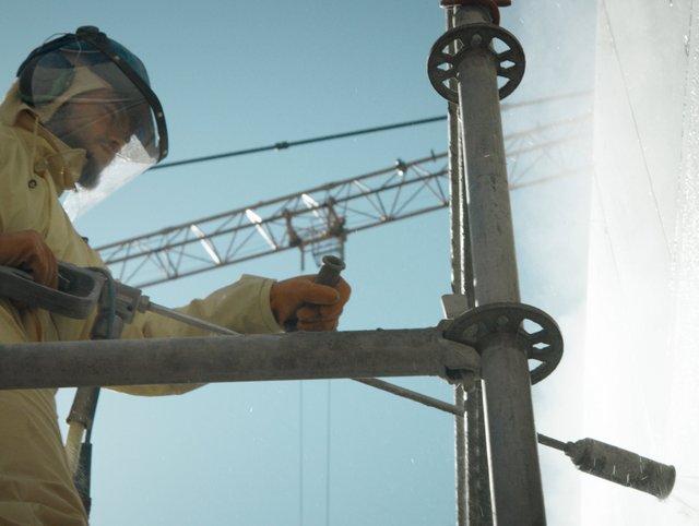 Bautenschutz mit Höchstwasserdruckstrahlen bei der Syngenta SRES Basel