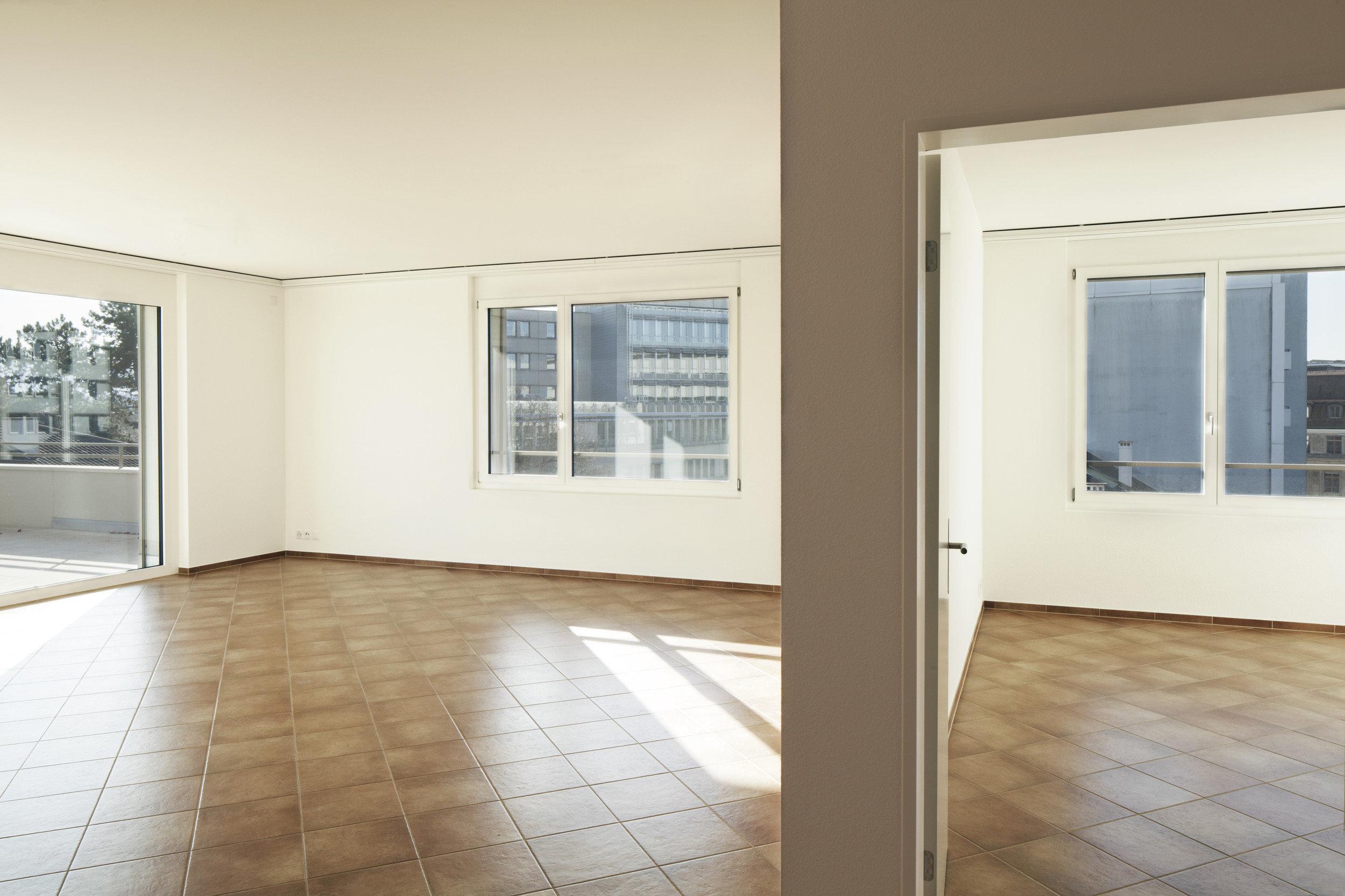 Fensterelement mit feststehendem Teil von innen in Holz-Metall