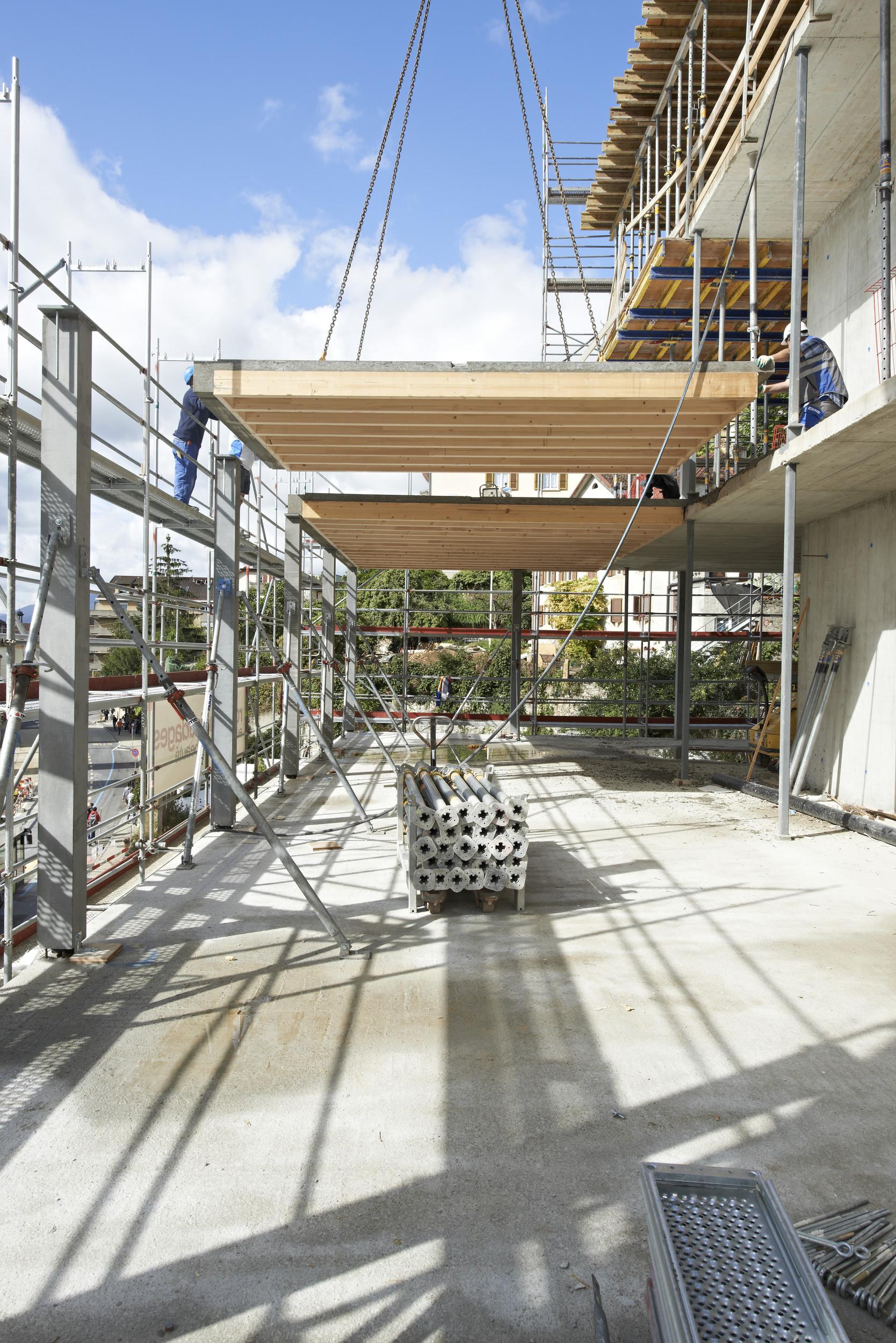 Forschungsgebäude im Bau mit Holz-Beton-Verbundsystem
