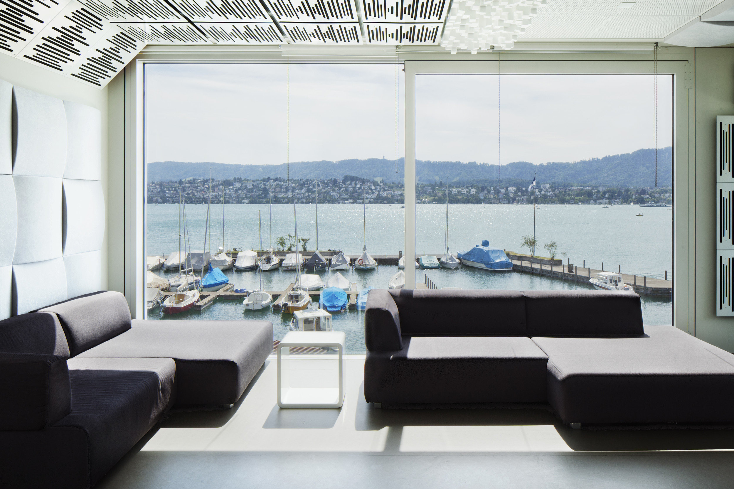 moderne Lounge in Eventpavillon in Modulbauweise