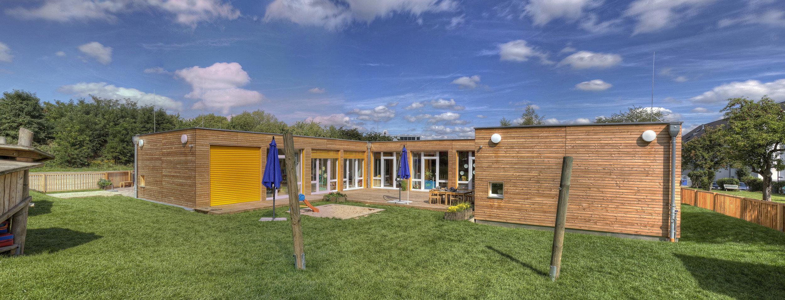 Erdgeschossige Kindertagesstätte in Holz-Modulbauweise