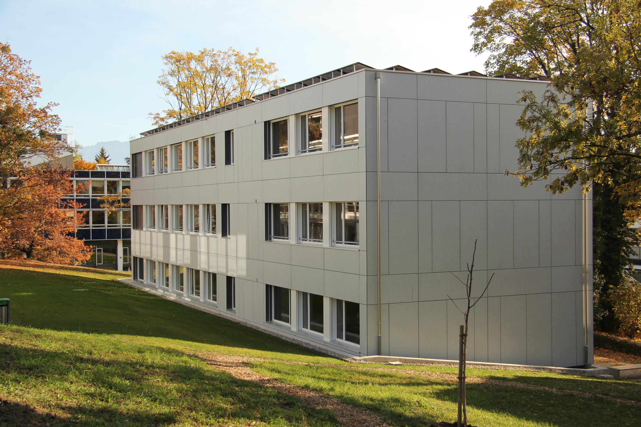 3-geschossiges Schulgebäude in Modulbauweise