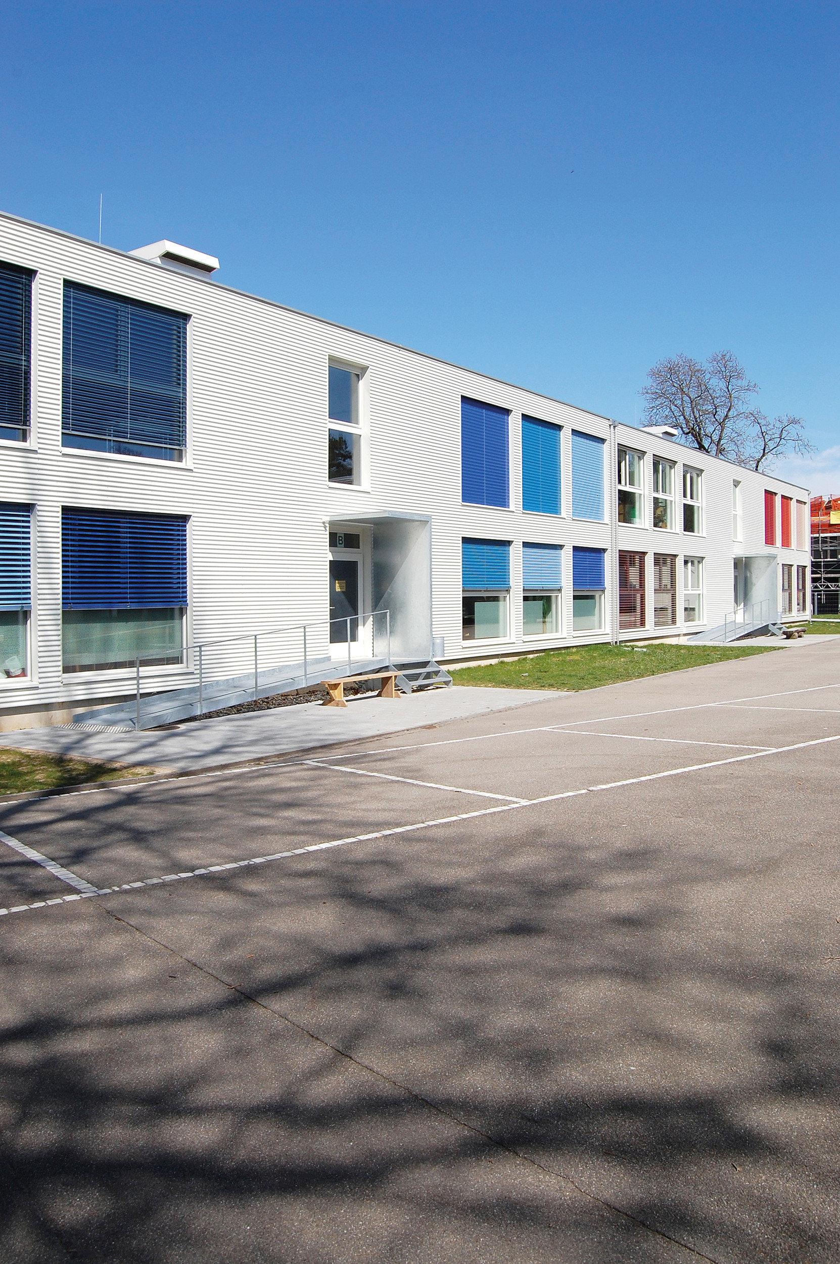 Schulbaute in Modulbauweise mit 8 Klassenzimmern