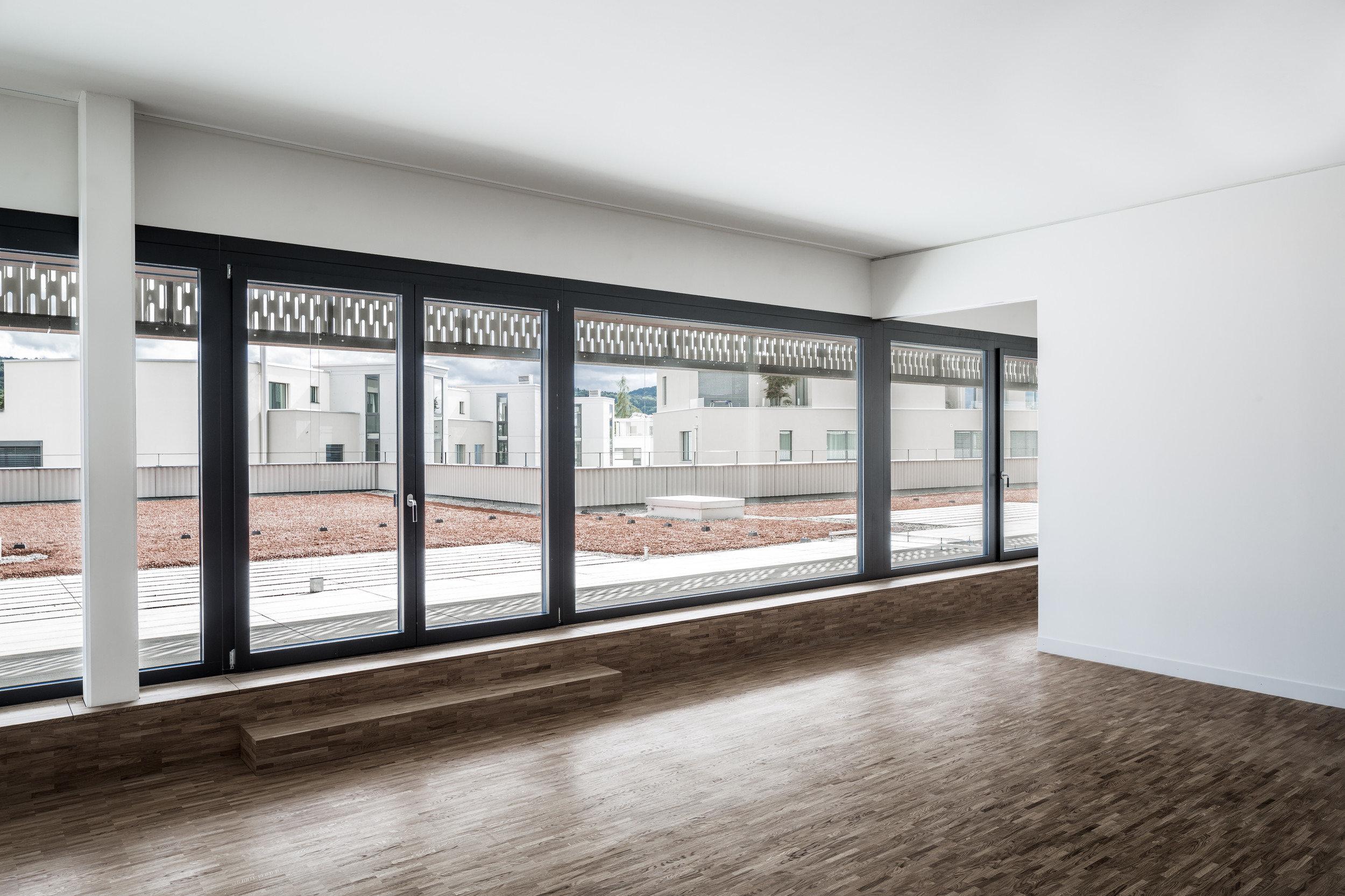 lichtdurchflutete Räume durch grosse Ein- und Zweiflügelfenster