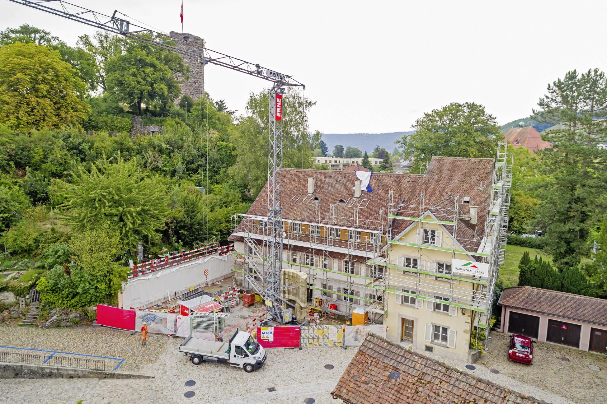Neubauarbeiten am historischen Gebäude in Laufenburg