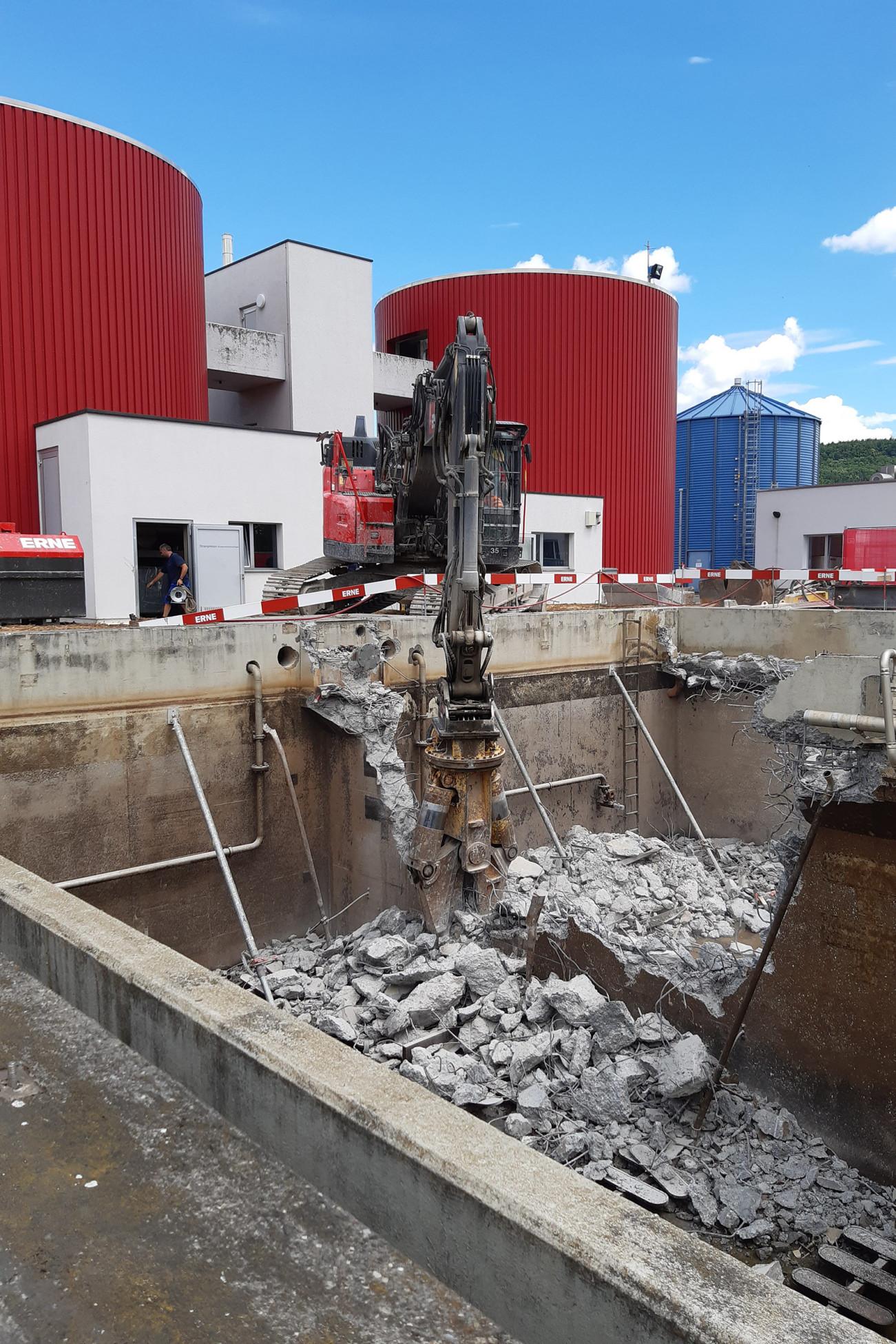 Abbruch ARA Bad Zurzach Neubau und Erweiterung altes Kombi-Becken