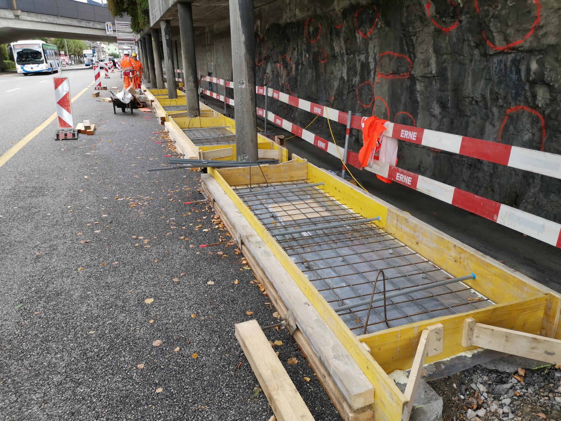 Beton-Instandsetzungsarbeit mit provisorischer Fundamentlegung auf Oltner Baustelle