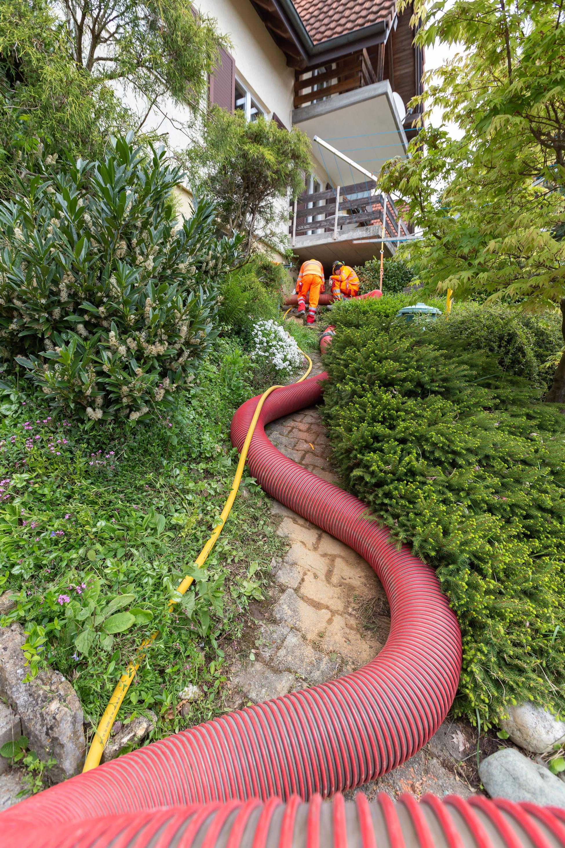Brugg Wasserleitungsbruch Saugbaggerrohr Hang