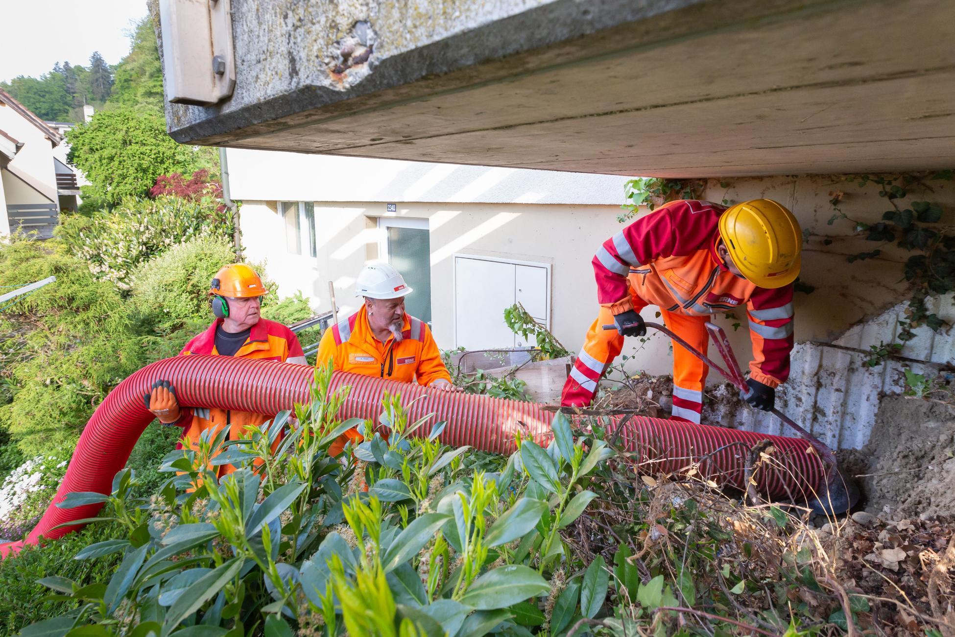 Brugg Wasserleitungsbruch Defekt unter Balkon