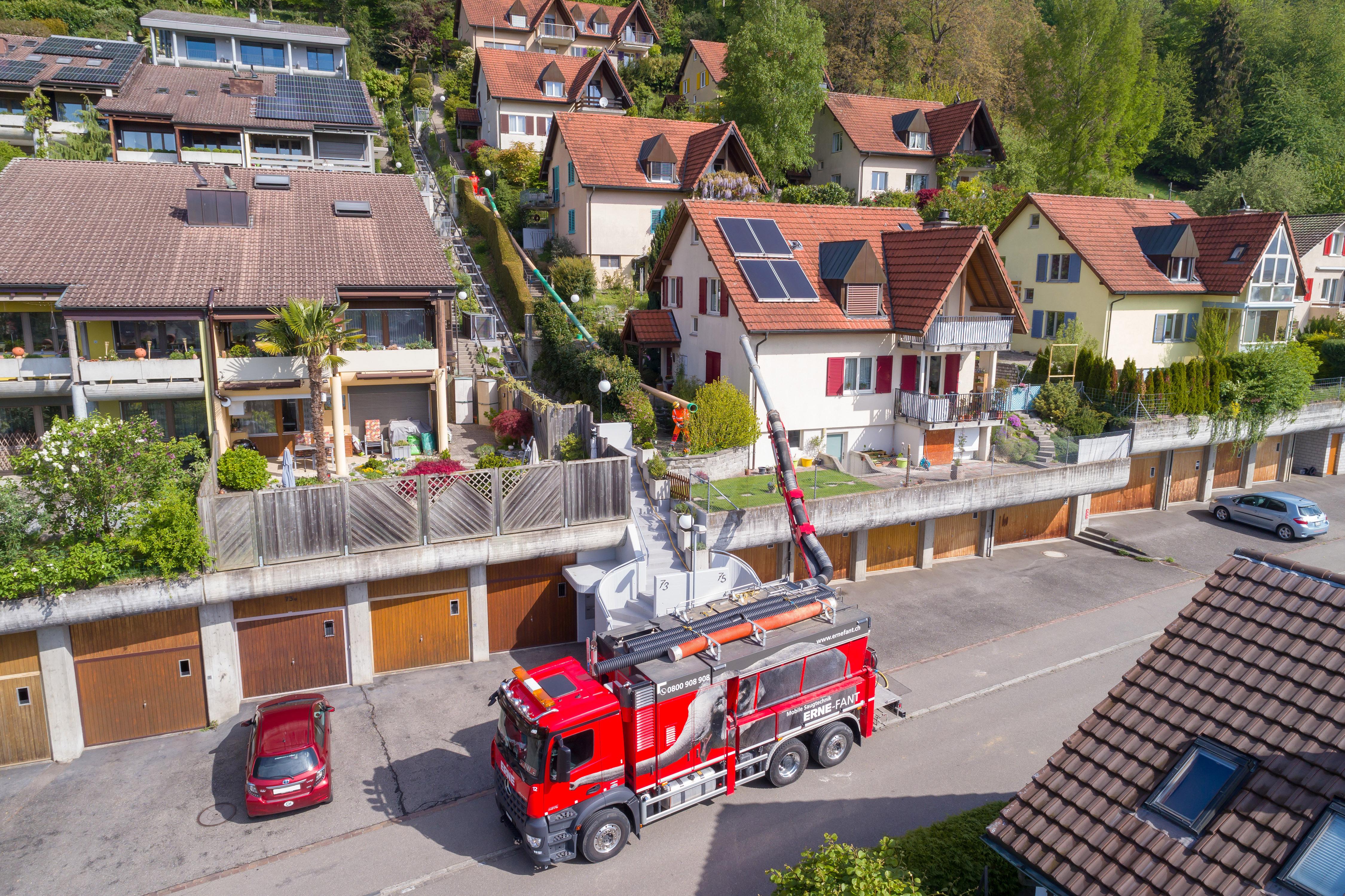 Brugg Wasserleitungsbruch Saugbagger ERNE-FANT