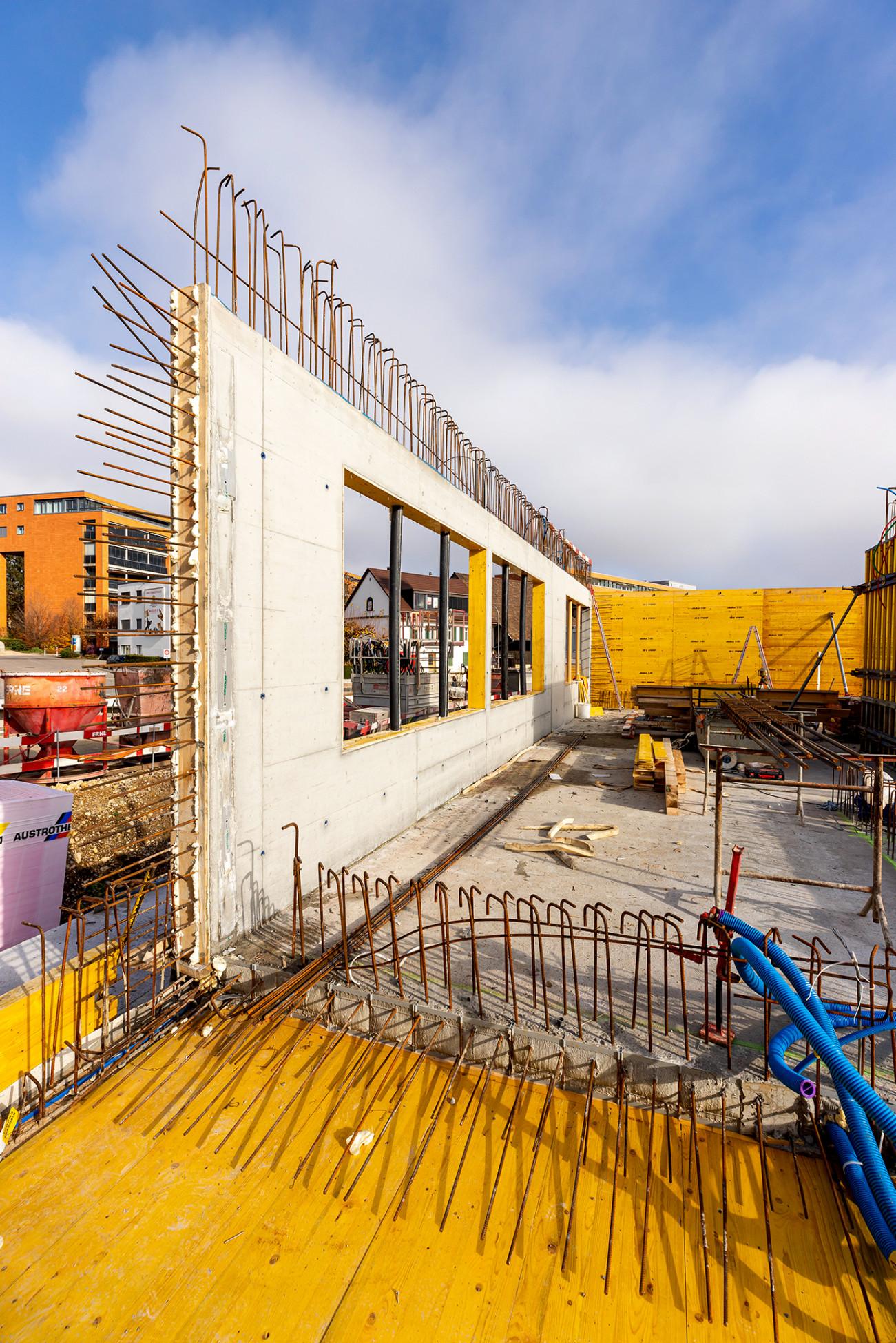 Hochbau Olten Neubau Betriebsgebäude a.en Sichtbetonwand