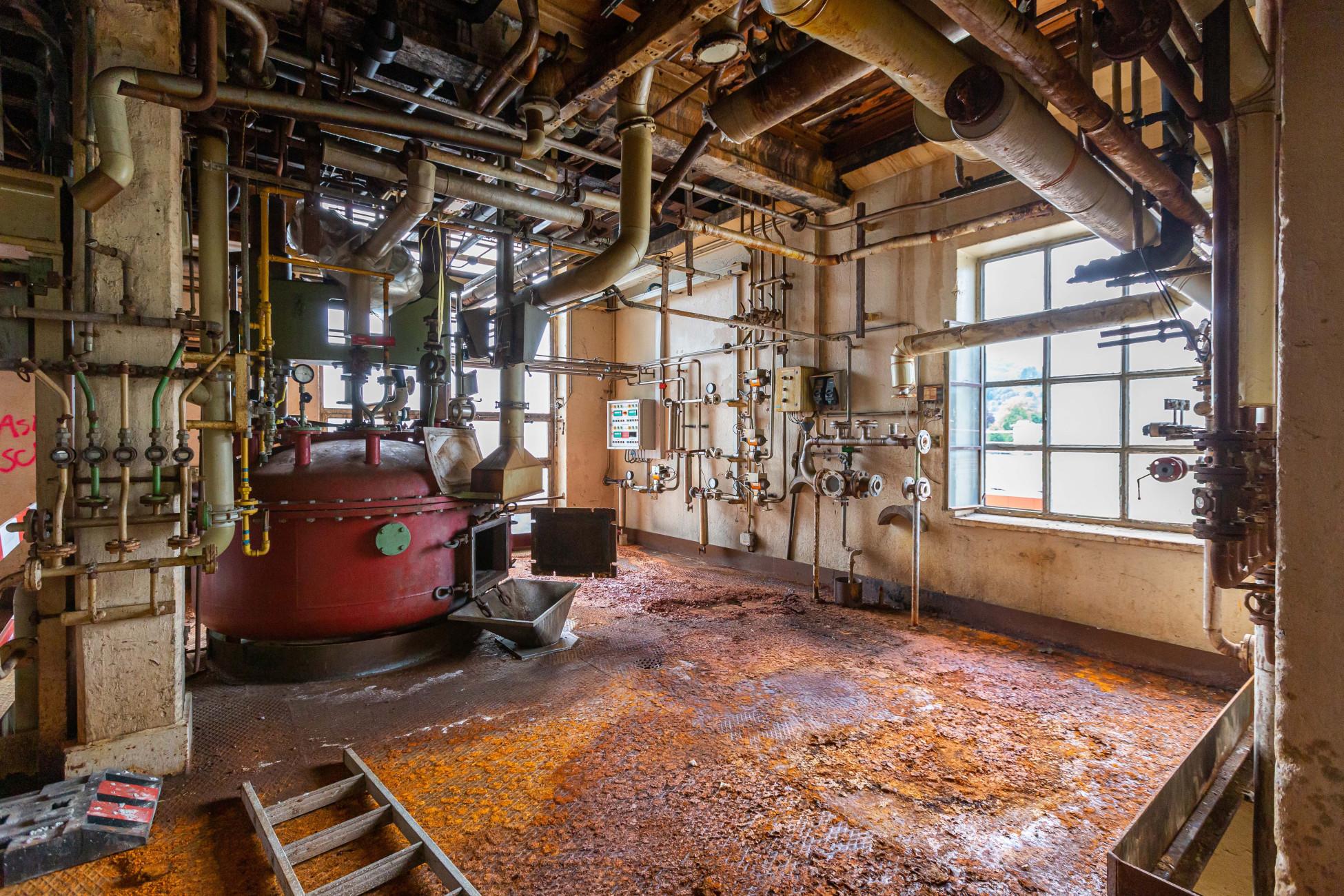 Gebäude mit alten Produktionsanlagen sollen saniert werden.