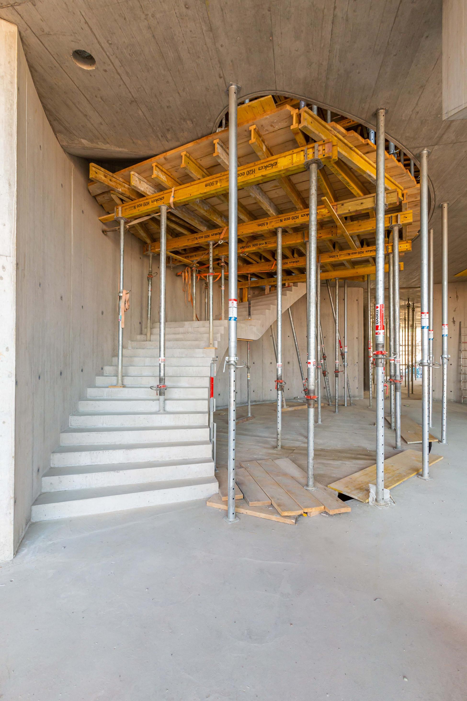 Neubau Treppenkern Allschwil BaseLink Büro- und Gewerbegebäude