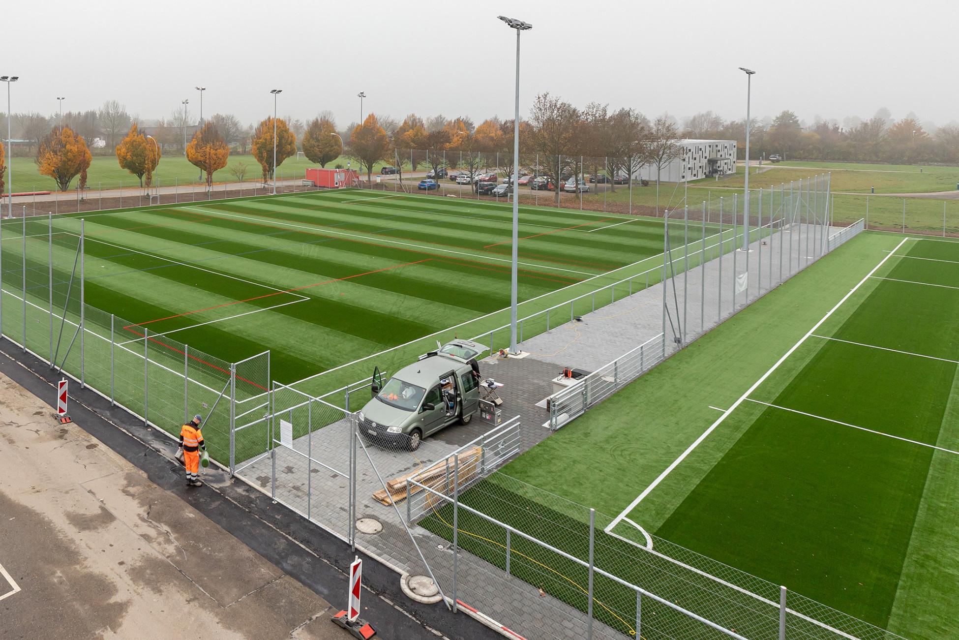 Tiefbau Grenchen Neubau Kunststoffrasen Stadion Bruehl
