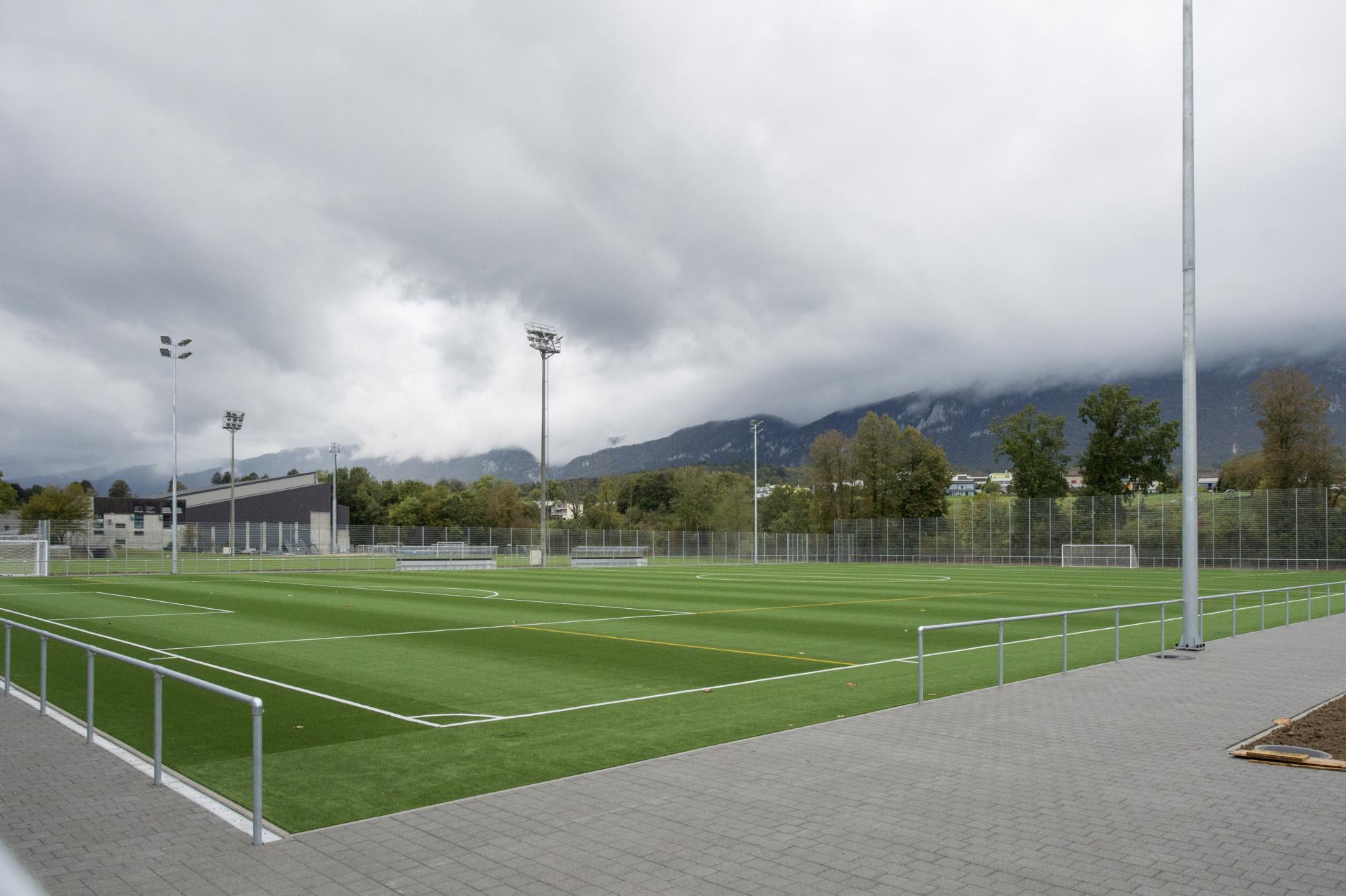 Tiefbau Zuchwil Sportplatzuntergrund Umgebungsarbeiten