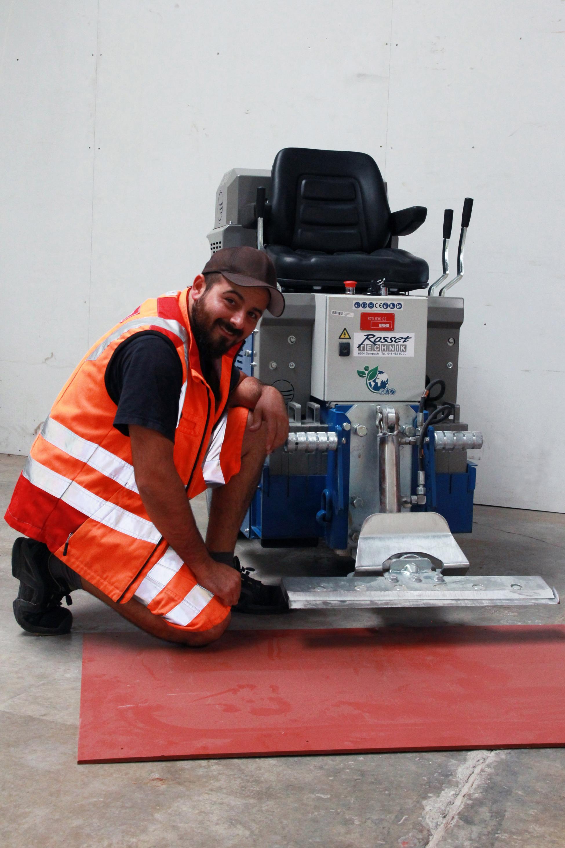 Bodenbeläge entfernen Aufsitzstripper Maschine ERNE decon