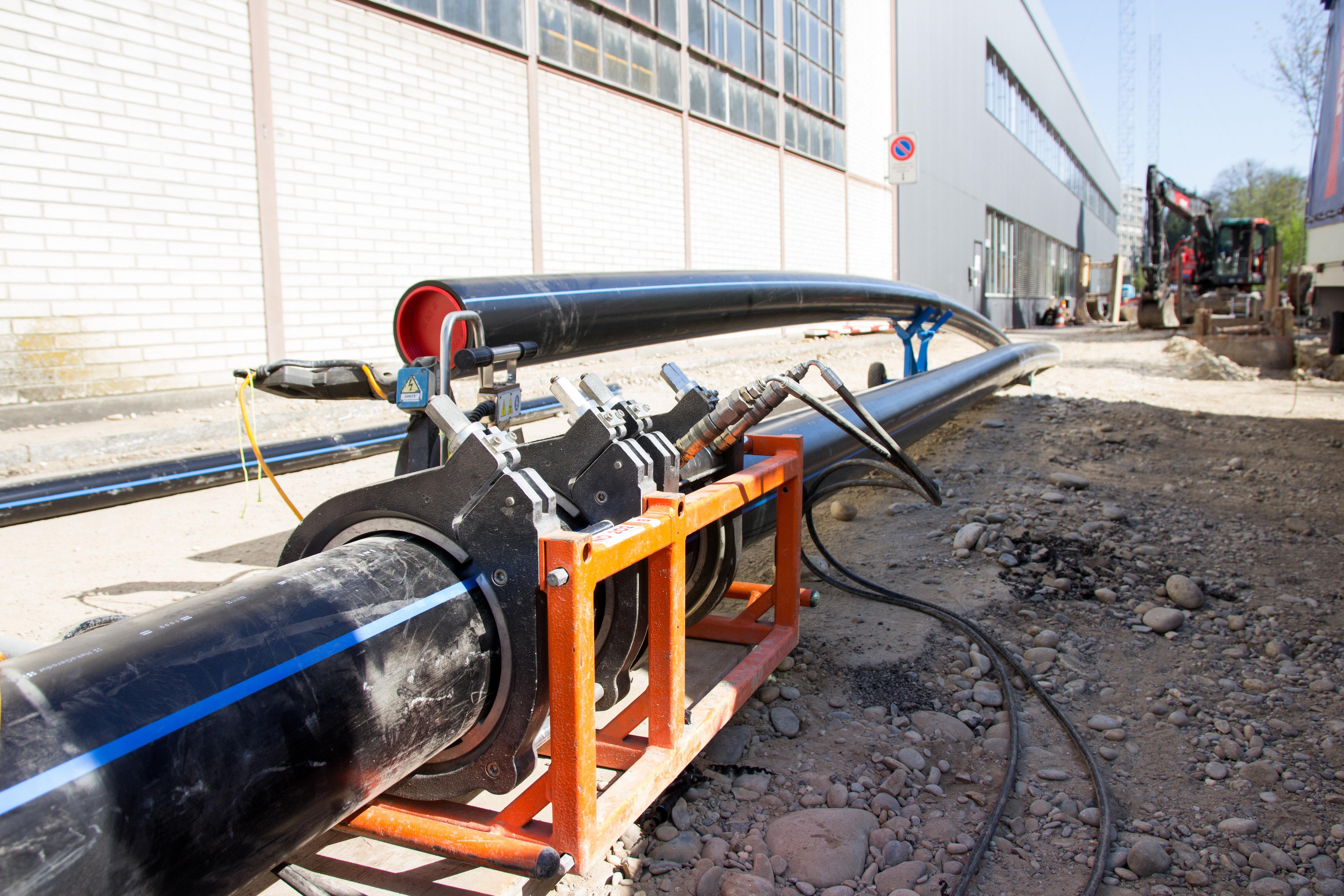 Tiefbau, neue Rohrleitungen in Windisch