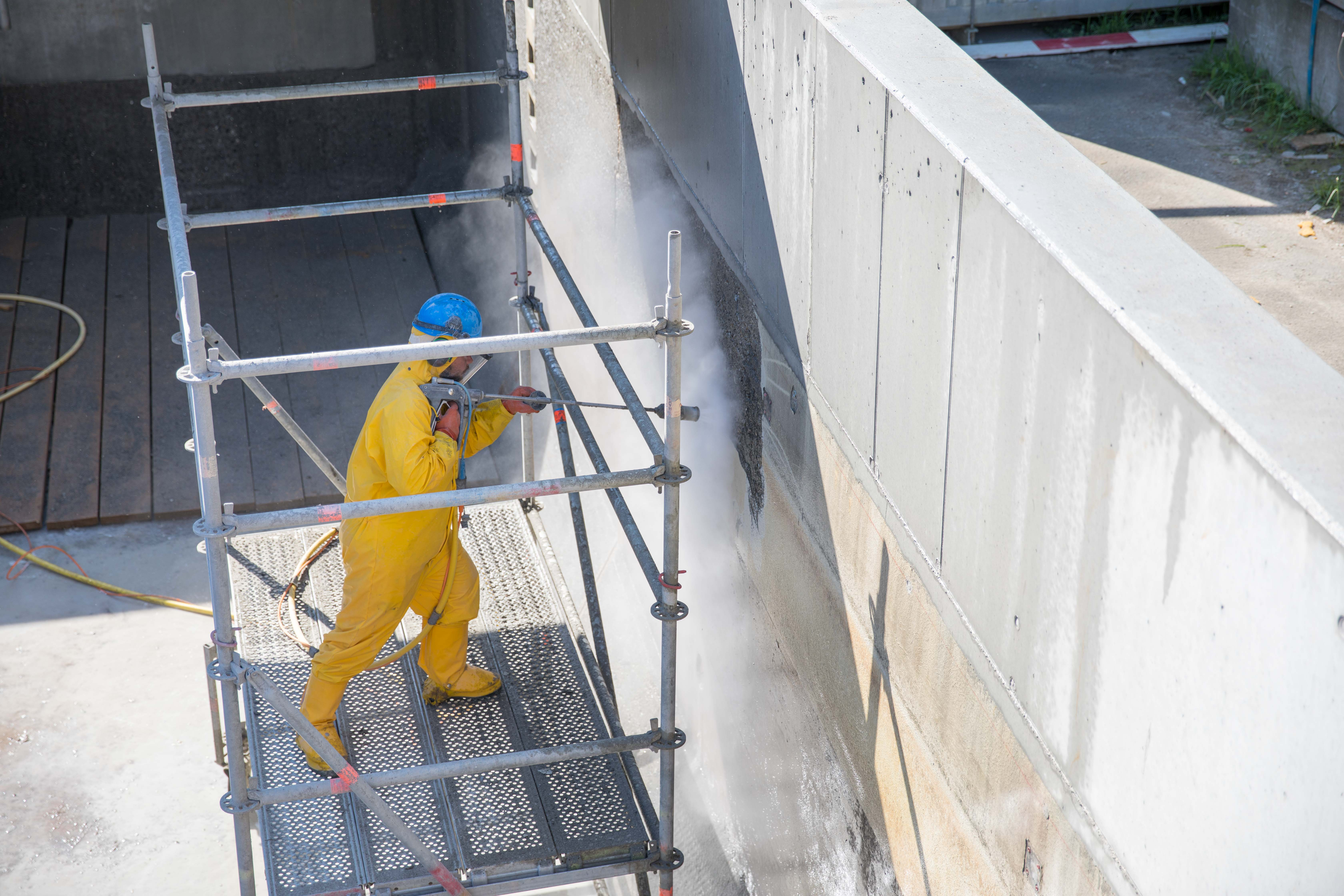 Oberflächenbearbeitung an Bauten und Industrieanlagen, wir bieten die passende Lösung für die Vorbereitung einer Applikation.